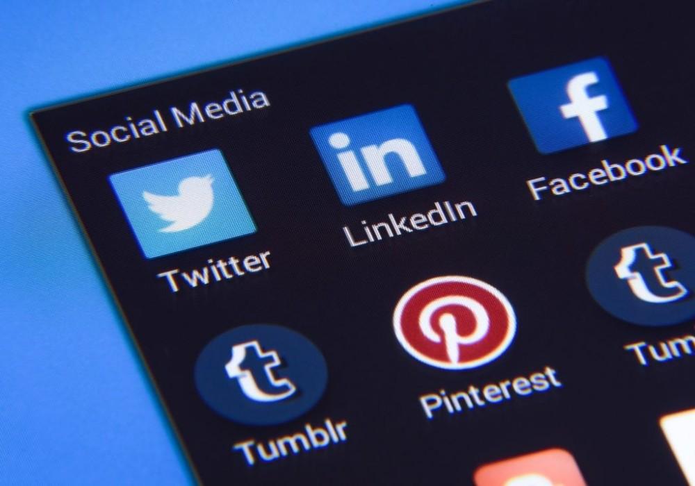 Ocyane-réseaux-sociaux-